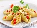 Рецепта Конкилиони с пиле и сирене